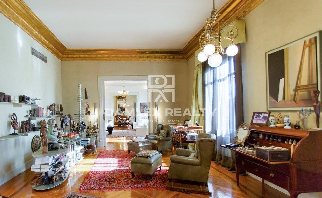 Exclusive apartment on Avenida Diagonal, 5 minutes walk from Paseo de Gracia.