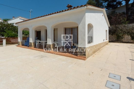 3 bedrooms house close to city center and beaches