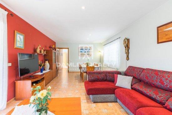 Villa with tourist license in a quiet urbanization of Calonge, Costa Brava