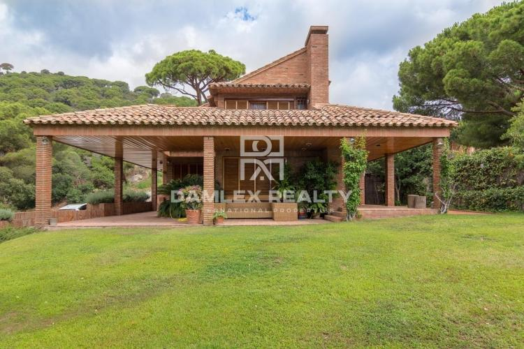 House / Villa with 5 rooms, plot 850m2, for sale in Premia de Dalt, Barcelona North Coast