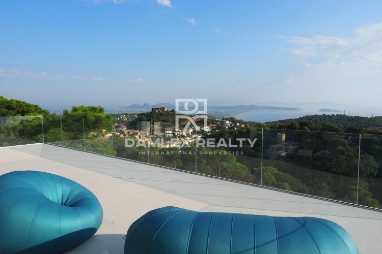 Villa 51, Ultramodern villa with stunning sea views, Costa Brava