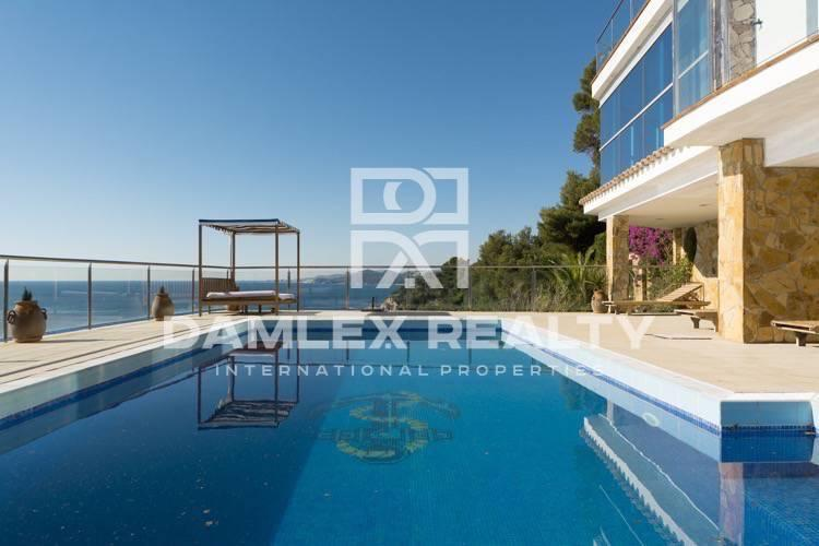 Exclusive first line beach villa in Costa Brava