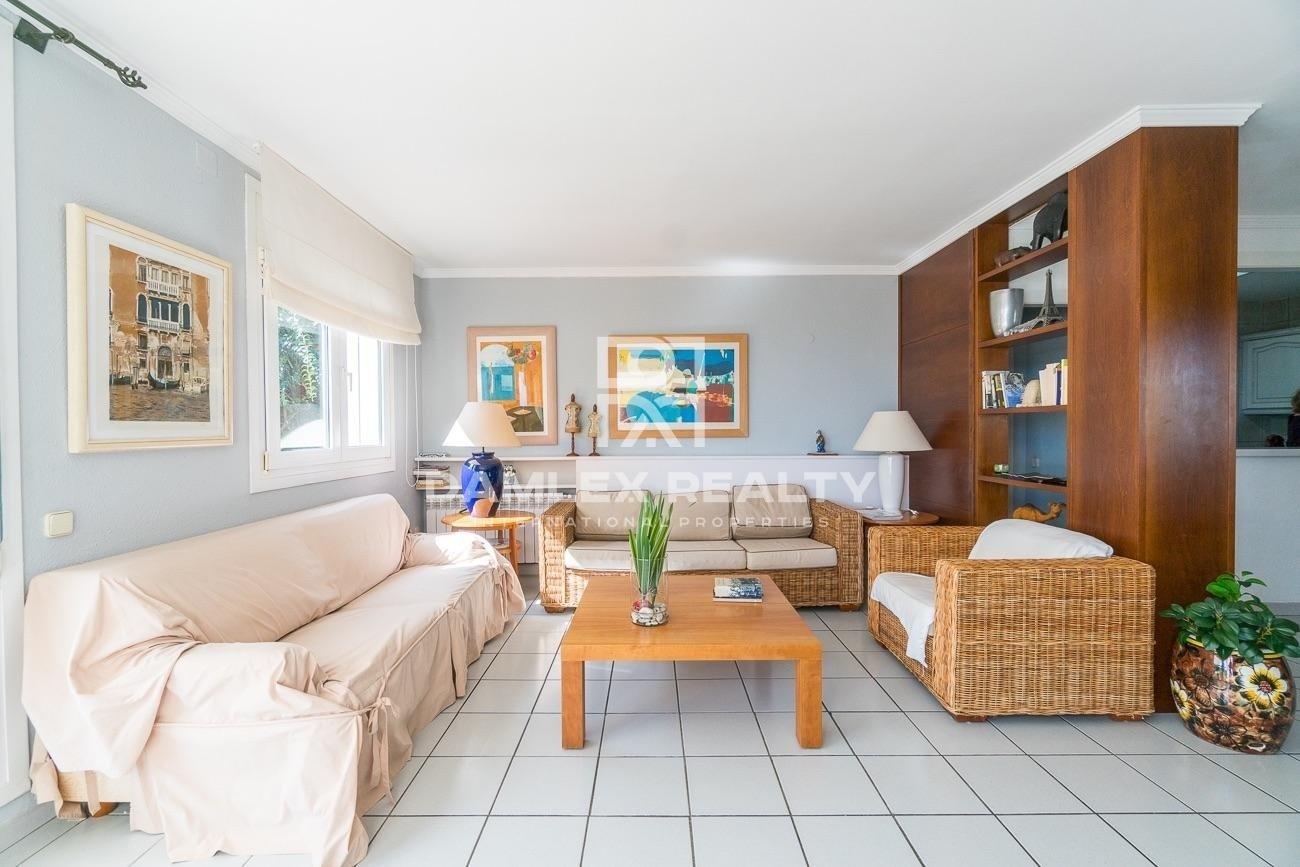 Villa in urbanization of Blanes with sea views