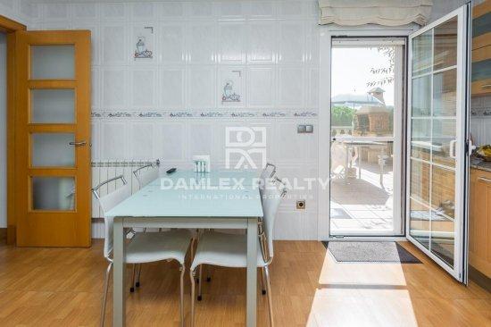 Fabulous modern house with sea views