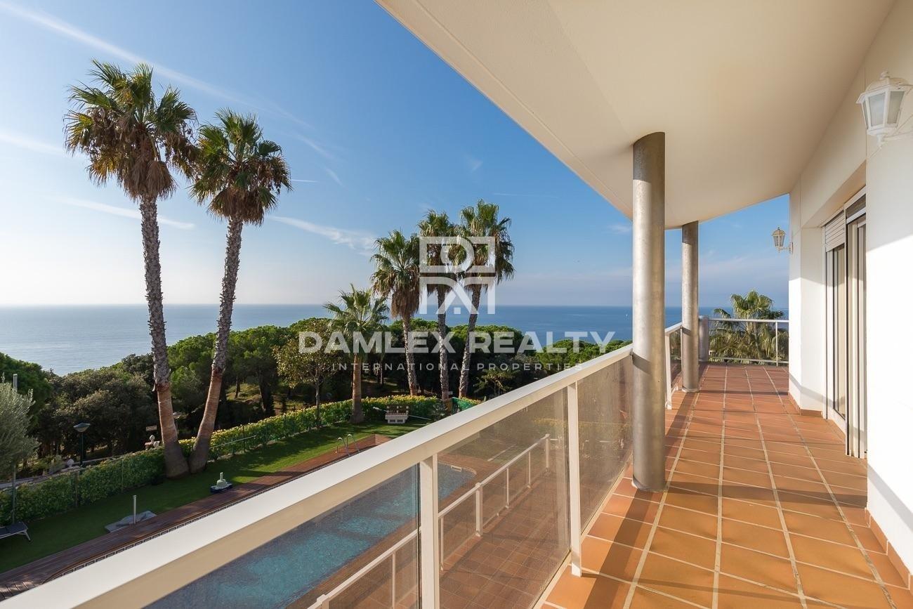 Luxury villa with stunning sea views