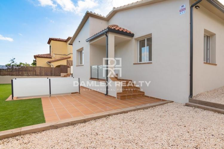 Nice modern house at 5min from the beach of Sant Pol