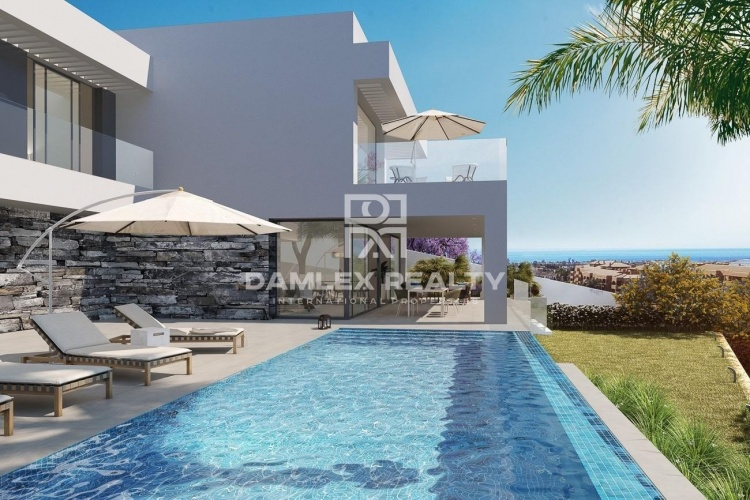 New modern villa with sea views in Los Flamingos