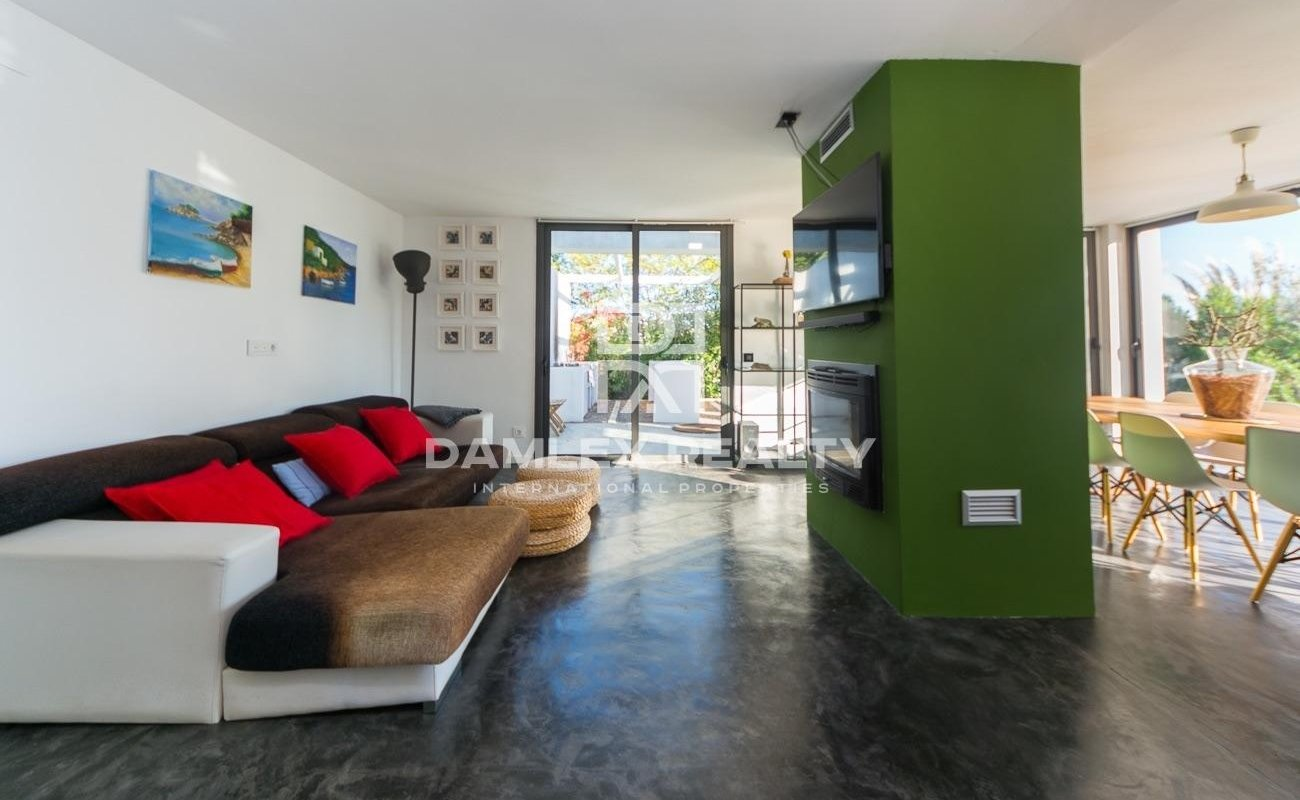 Superb villa of architect in the forest of an urbanization of Lloret de Mar