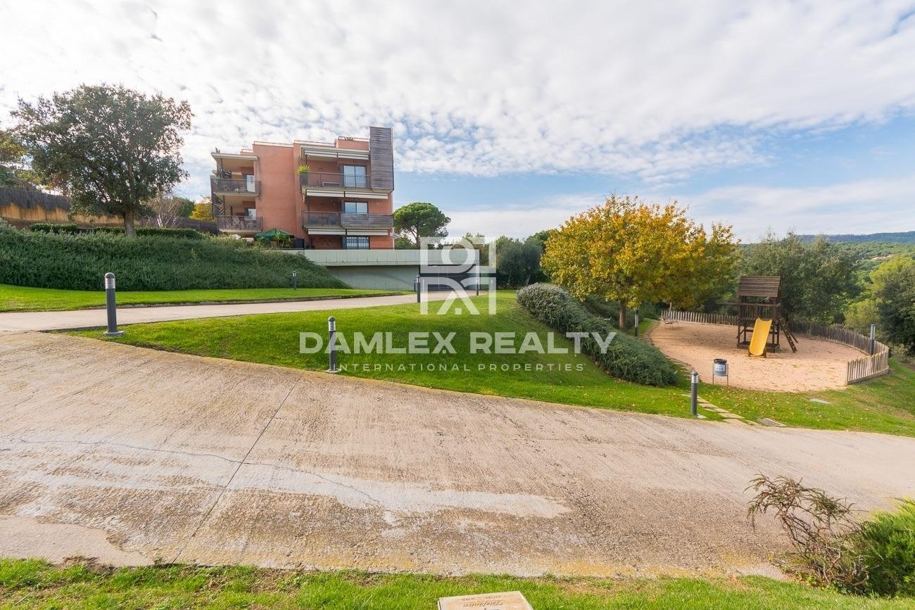 Fabulous penthouse in luxury residence at 300 m from the beach of Sa Boadella.