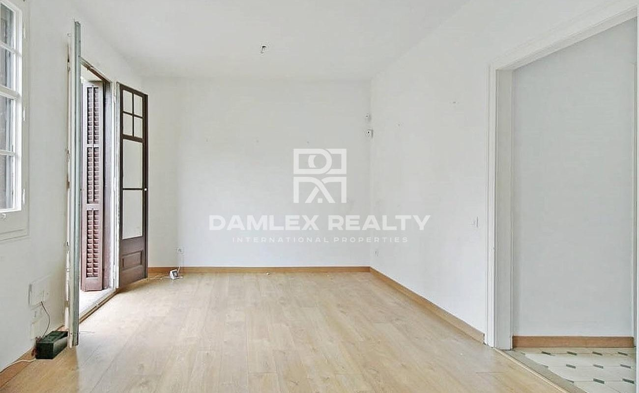 Renovated apartment in the Alta area of Barcelona.