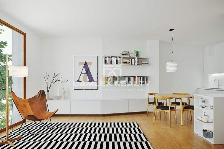 Three bedroom apartment near the shopping center in Pedralbes.