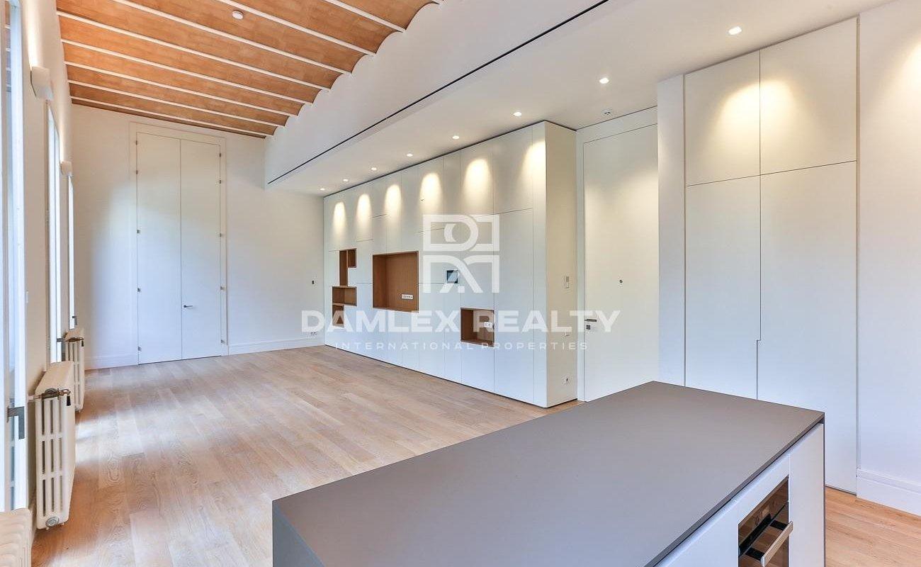 Reformed apartment near Plaza Catalunya