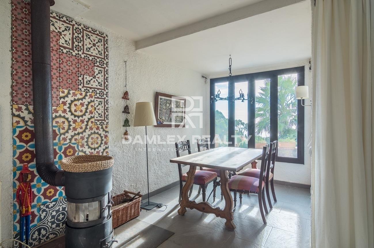 Beautiful house close to private beach of Santa Maria de Llorel