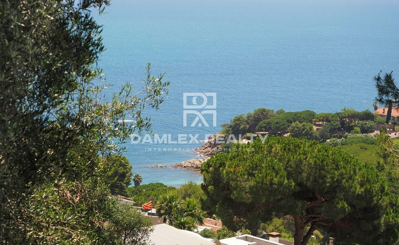 Plot of land with panoramic sea view, in Cala Sant Francesc, Blanes