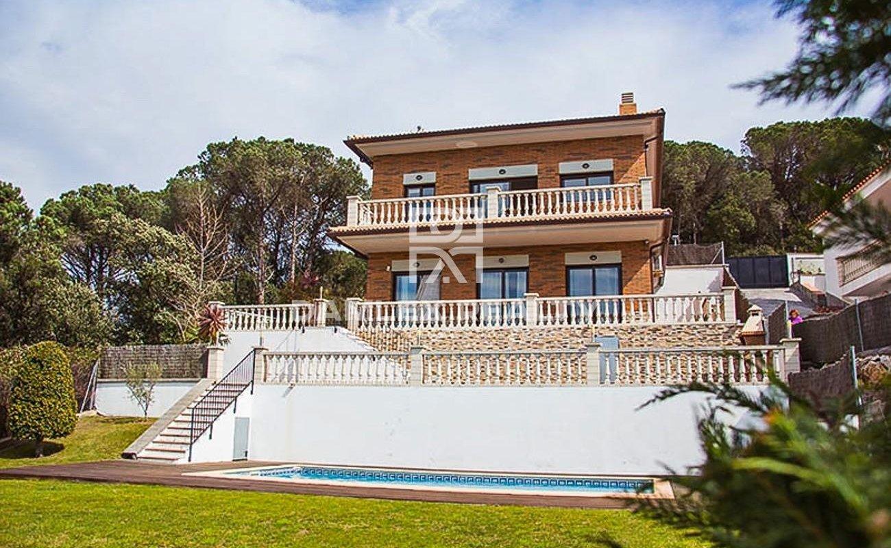 Detached house, located in Lloret de Mar, urb. Serra Brava