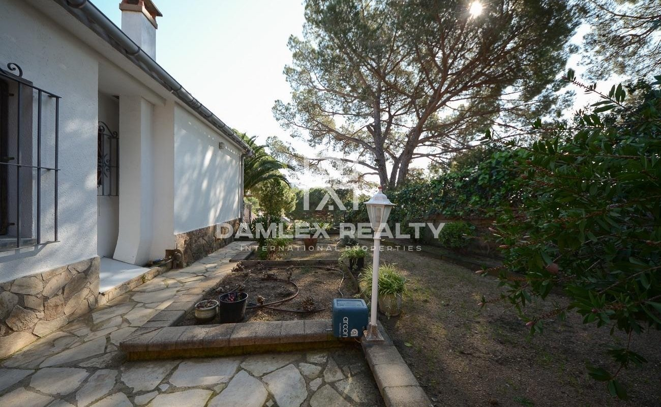 House with sea view with turistic licence in cala canyelles
