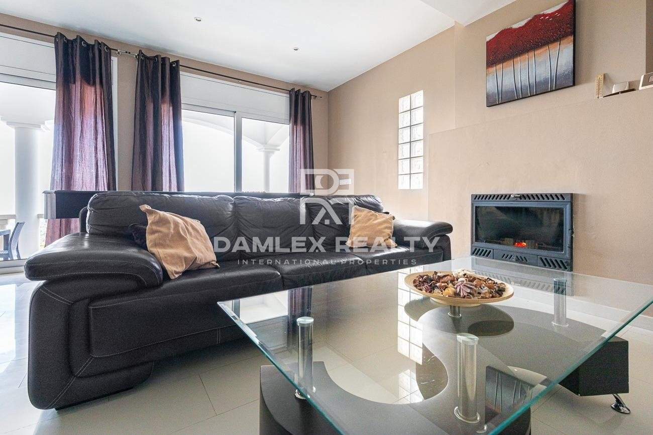 Beautiful house with seaview and touristic licence