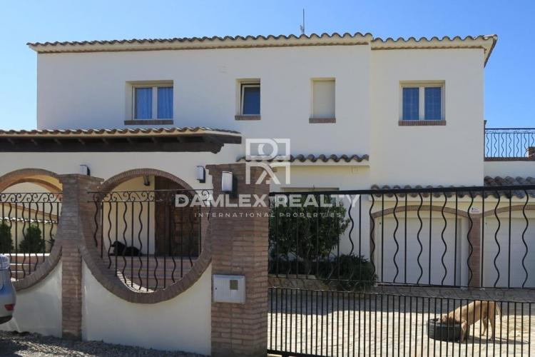 Villa within walking distance to the beach
