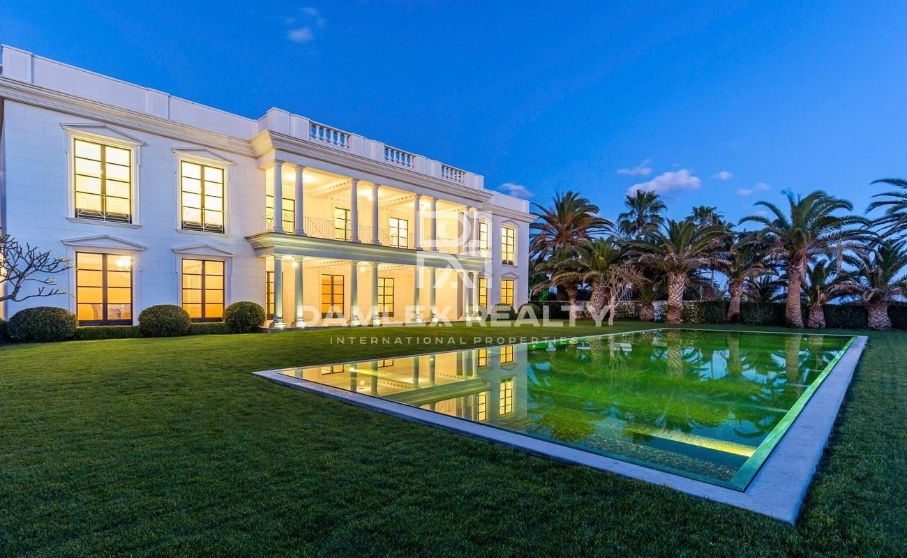 Luxurious mansion on the seafront.