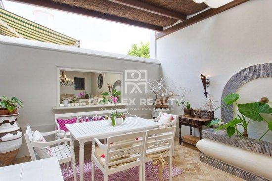 Magnificent mansion near the beach in Guadalmina Baja