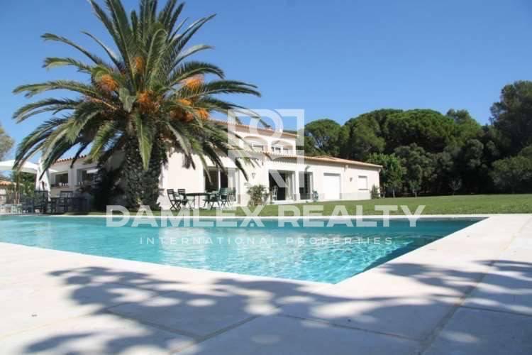 Provencal style villa. Costa Brava.