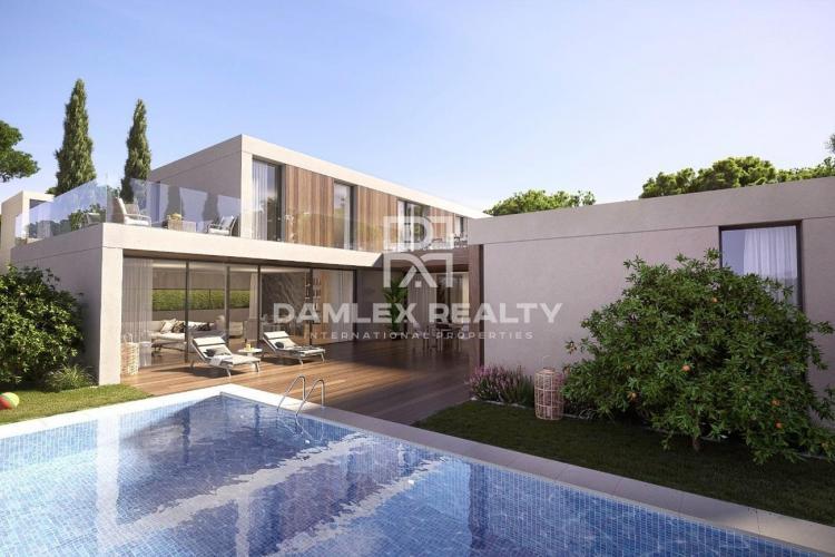 Modern villa in S`Agaro near a famous beach