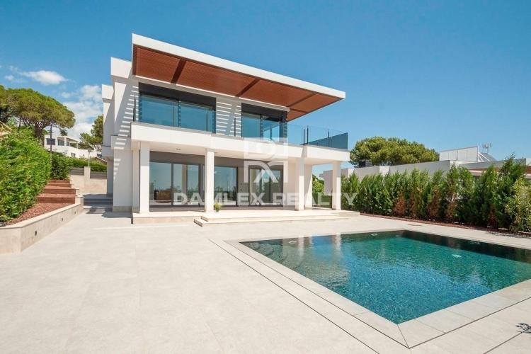 Luxurious new villa with sea views in Playa de Aro