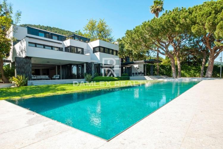Luxurious new villa in an exclusive area of ​​Barcelona