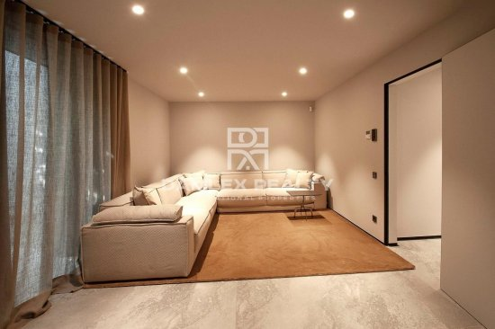 Luxurious new villa in an exclusive area of Barcelona