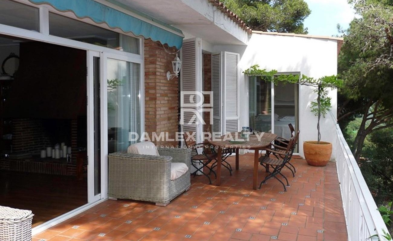 Lovely house with sea views in Roca Grossa