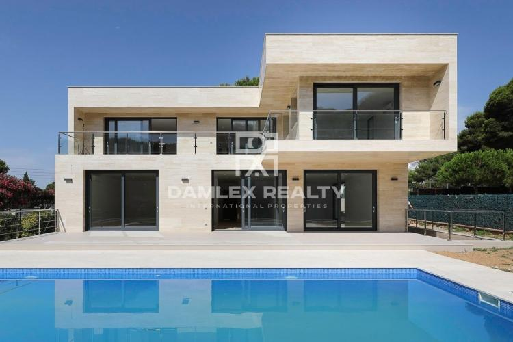 New villa in Platja d`Aro near the beach