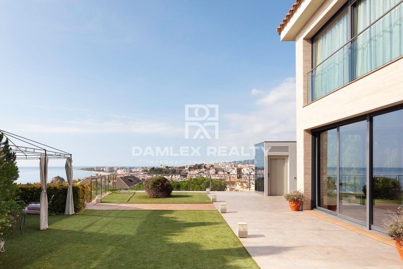 Luxury villa with sea views in Blanes