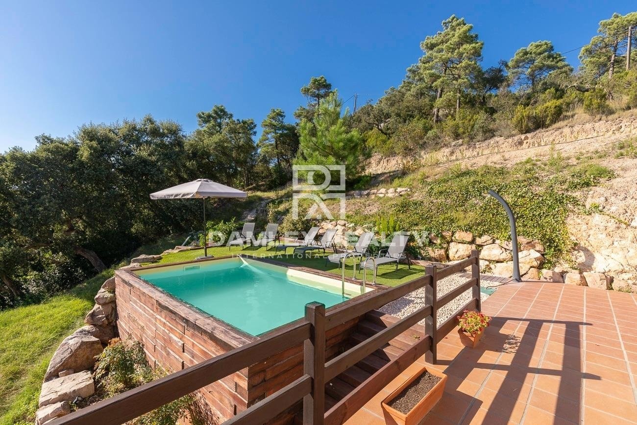 Stunning villa with stunning views of the sea and mountains