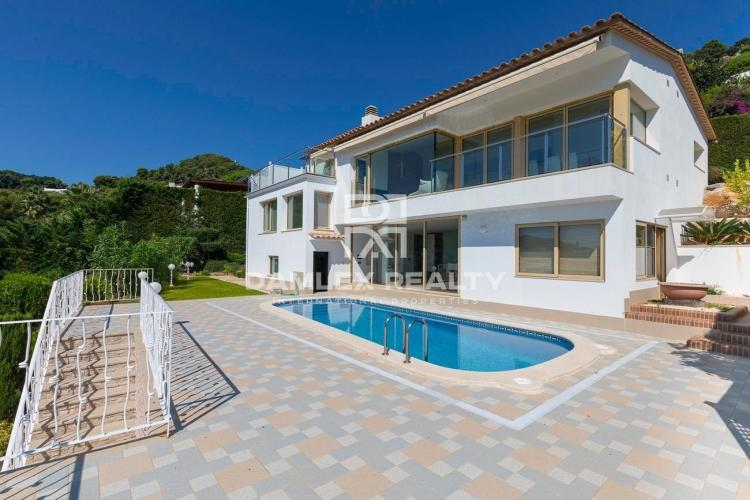 Villa in a prestigious urbanization of the Costa Brava - Cala Sant Francesc