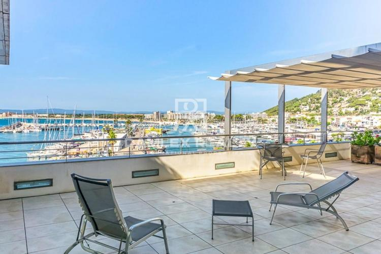 Duplex apartment on the seafront in Estartit, Costa Brava