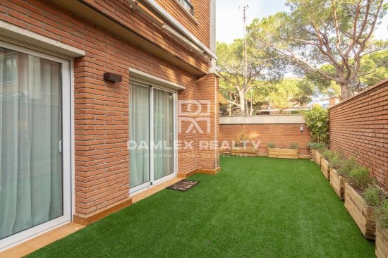 Magnificent townhouse 200 meters from the beach of Gava Mar