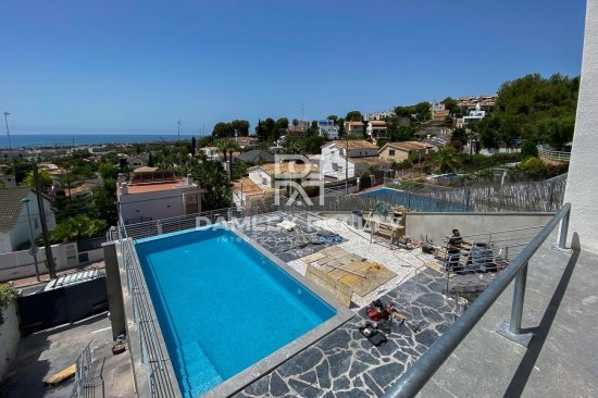 Villa with sea views just 5 minutes from the beach in Sitges