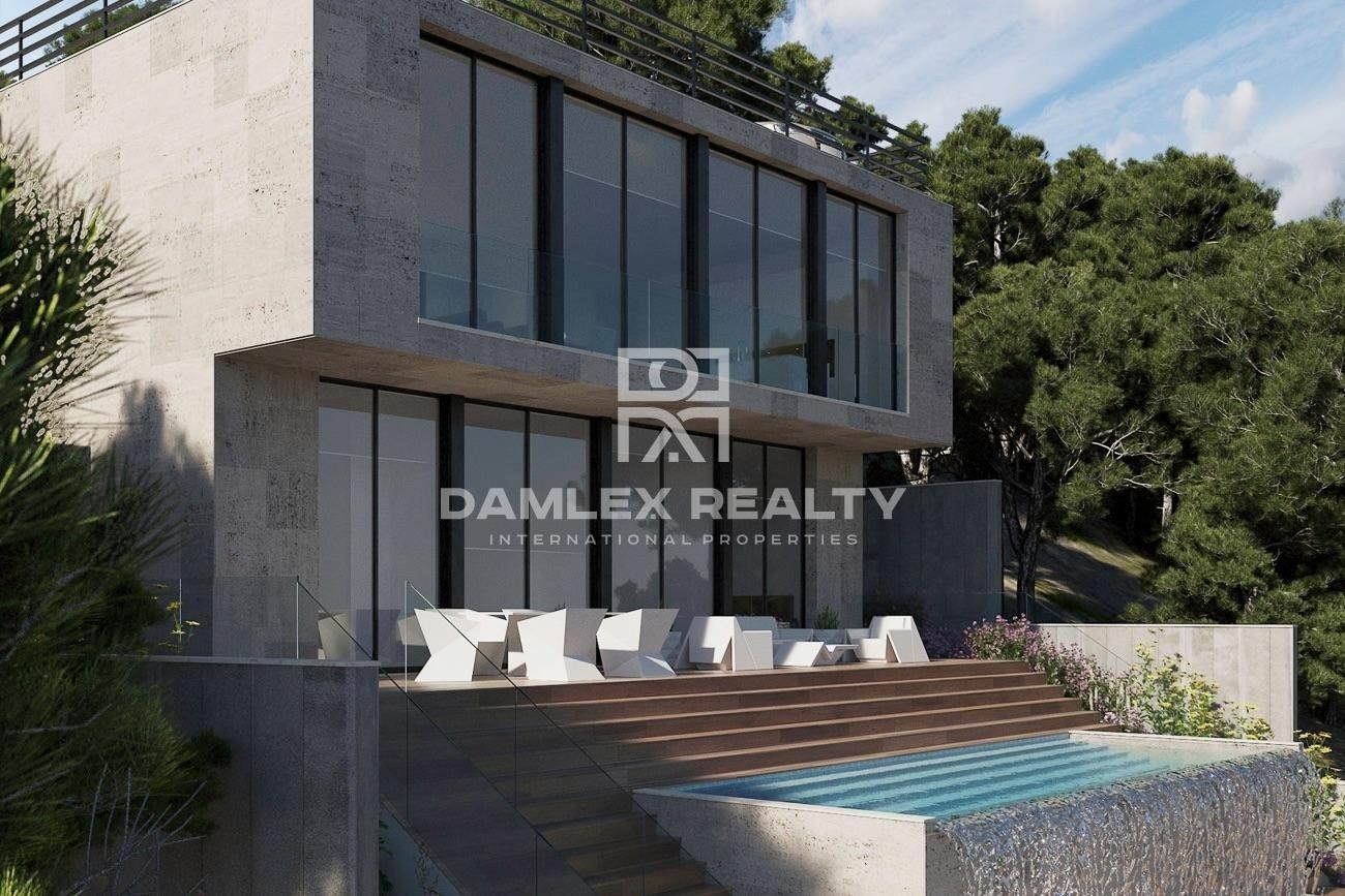 New modern design villa with sea views 30 km from Barcelona