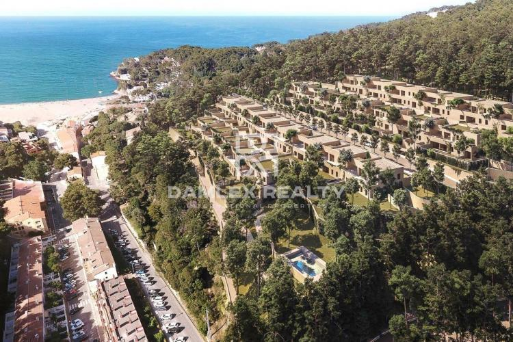 Exclusive complex a few meters from the beach of Sa Riera, Begur