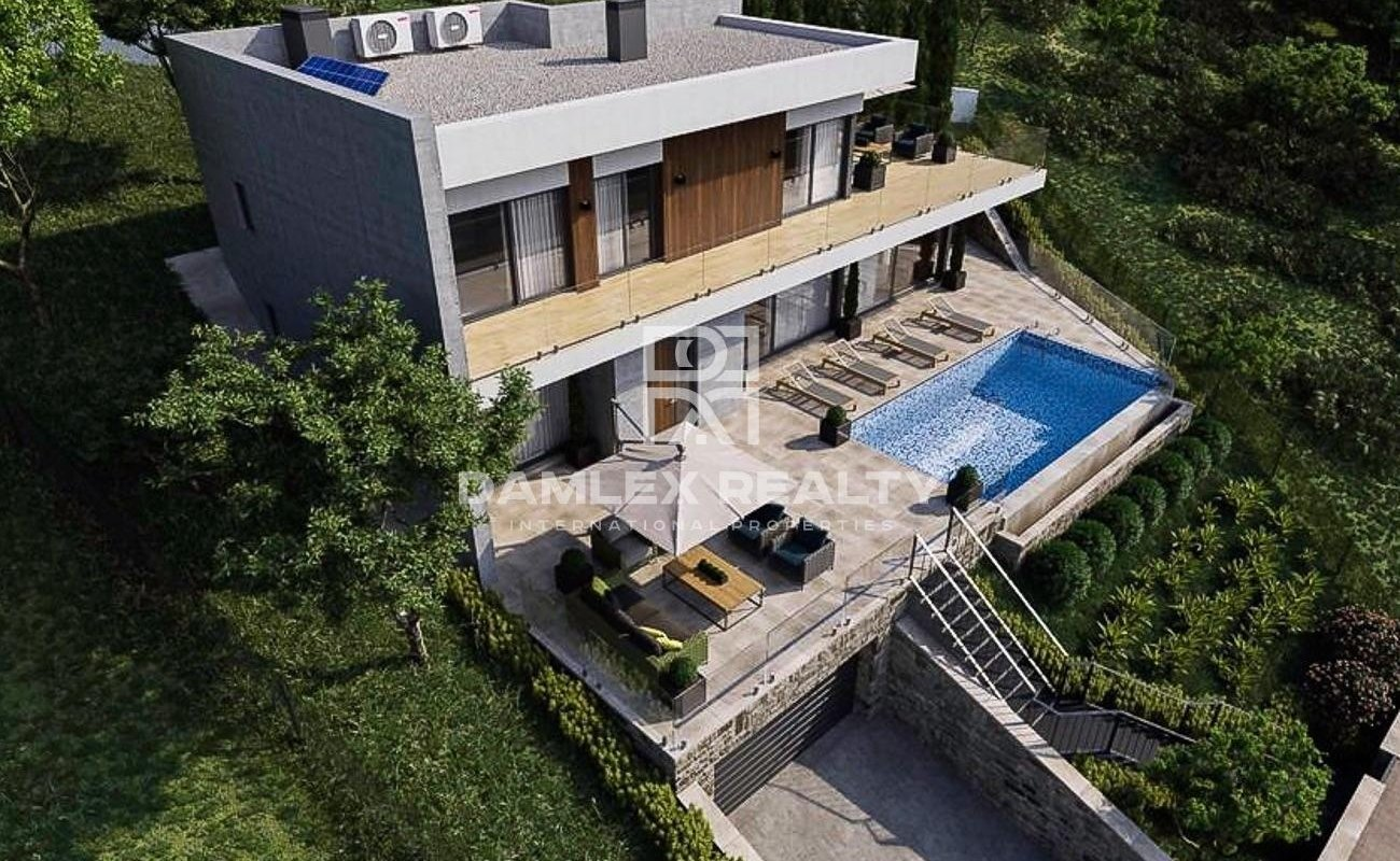 Modern house under construction, in Platja d`Aro