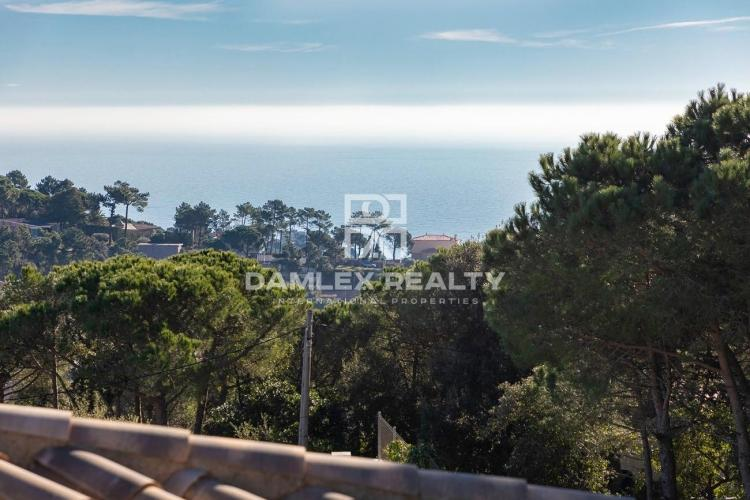 Plot of land 860 m2 in the urbanization Serra Brava for the construction of an individual house