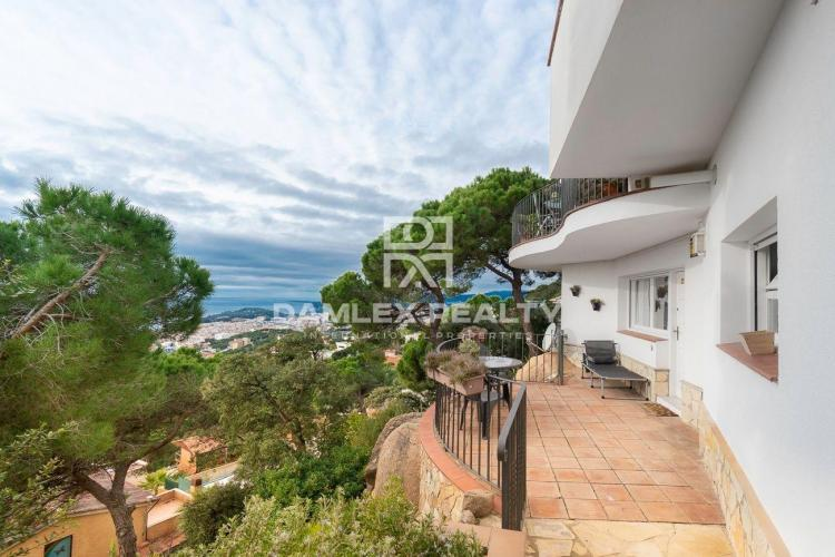Very nice house with panoramic sea view in the Urbanization of Turó de Lloret