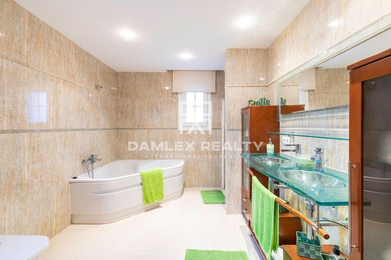 Magnificent house not overlooked in an urbanization close to Lloret de Mar