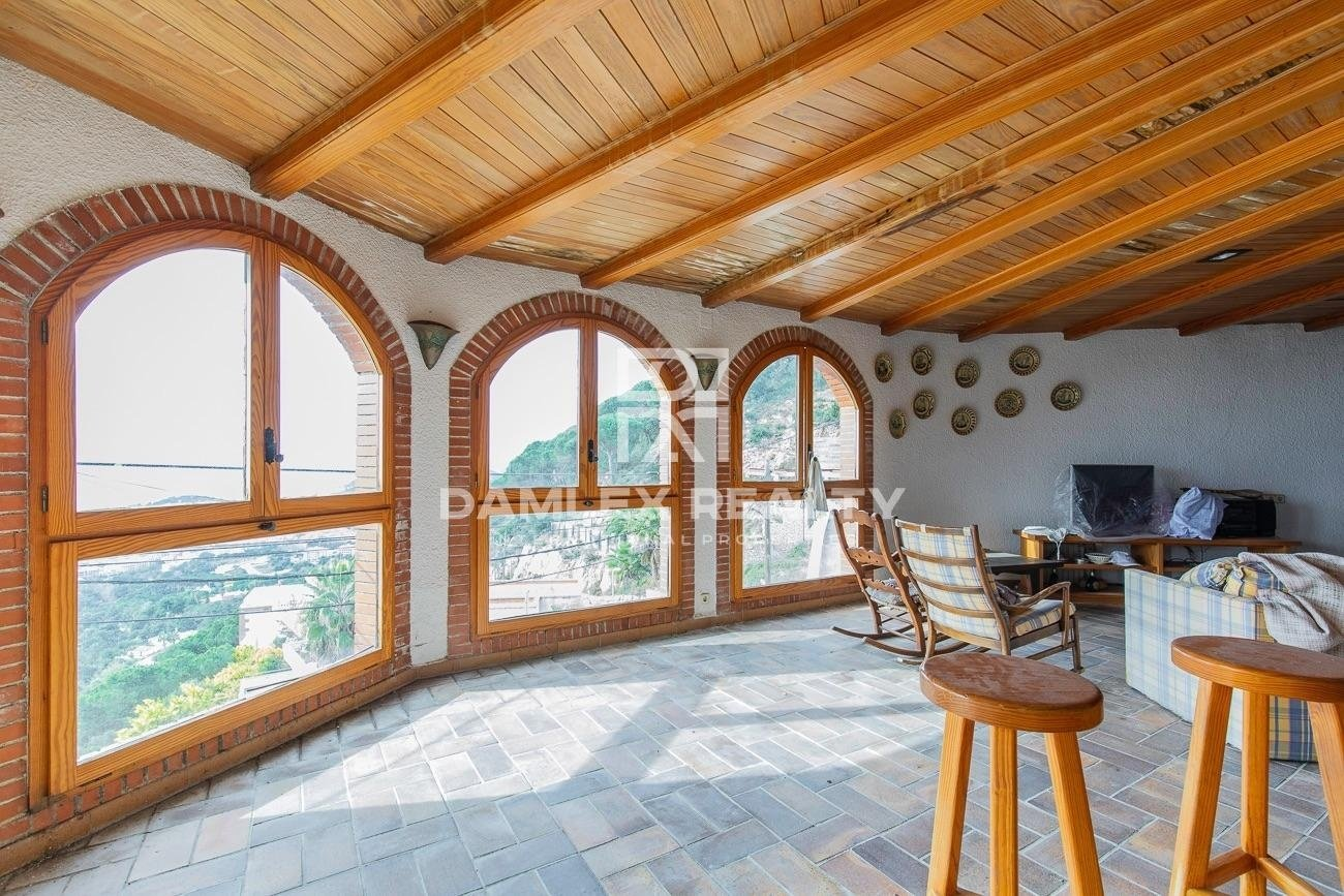 MAGNIFICENT PROPERTY WITH AN IMPREGNABLE PANORAMIC VIEW OF THE SEA OF 1870 M2.