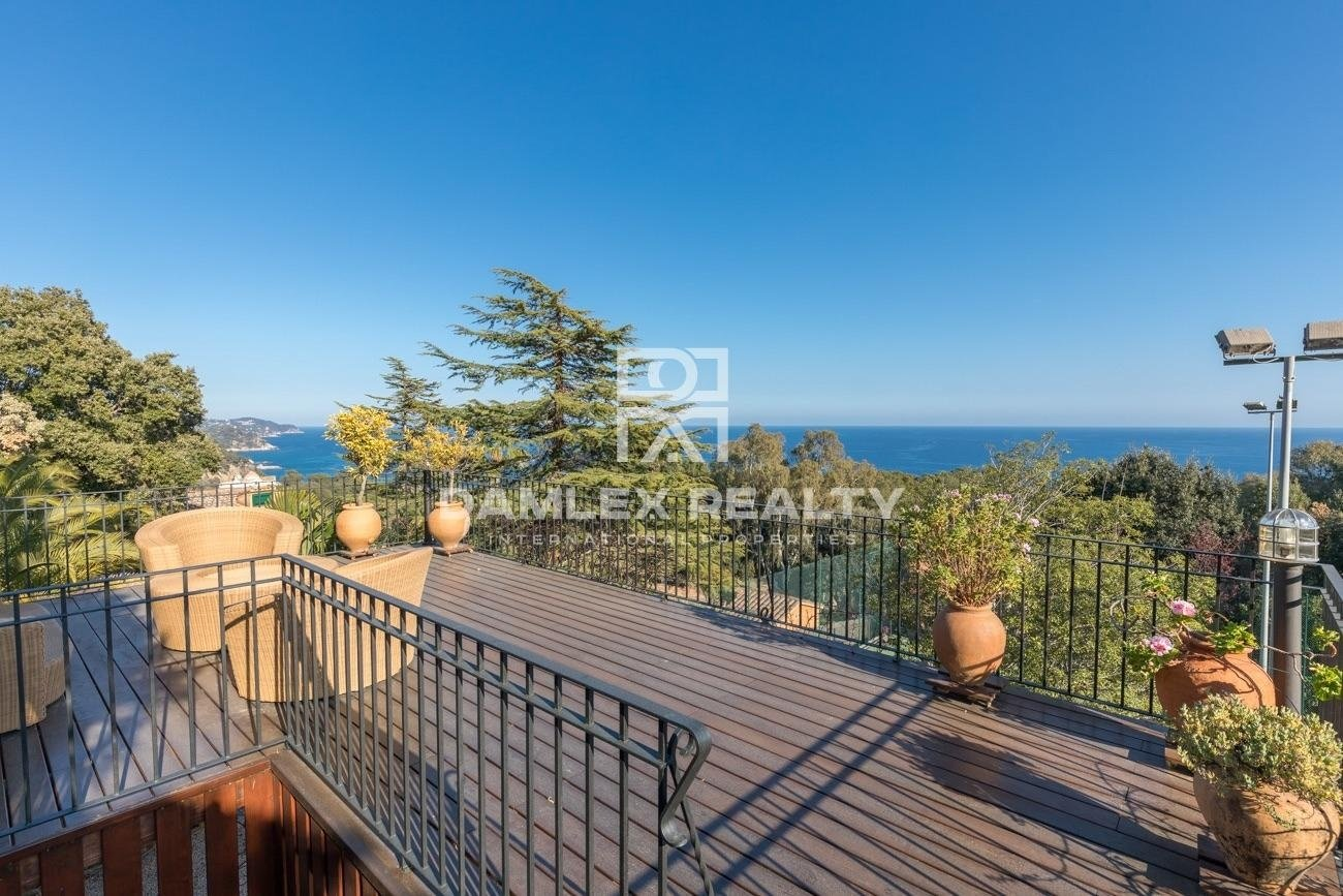 Villa 600 meters from the beach, in Santa Cristina, Blanes