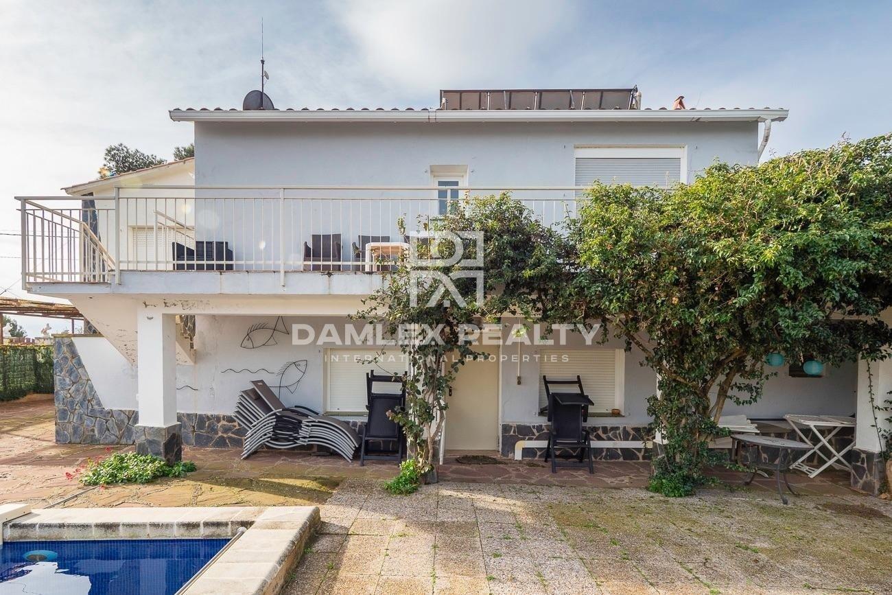 House with sea view in Playa Brava urbanization