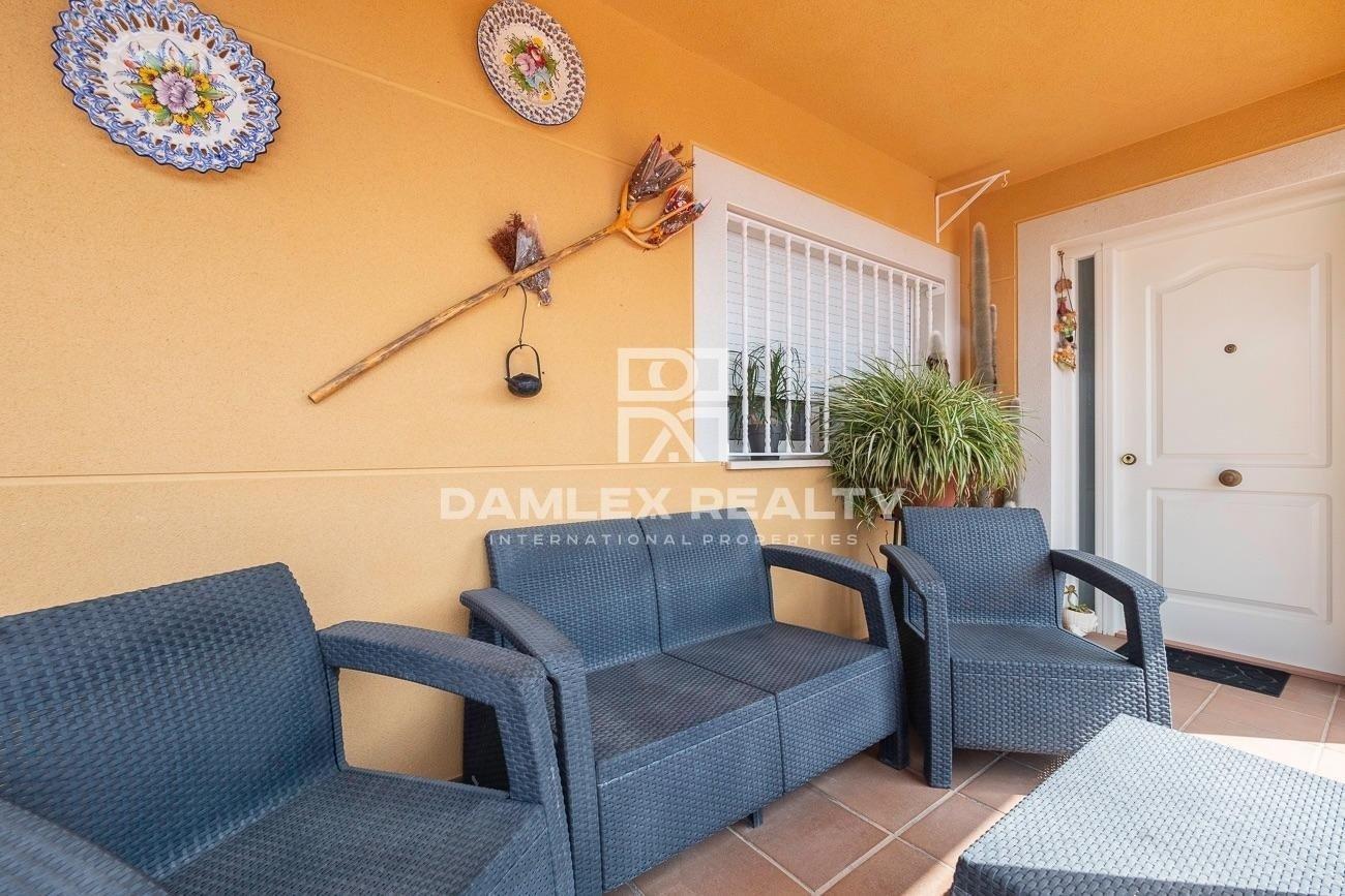 Villa with pool in the quiet urbanization of Lloret de Mar