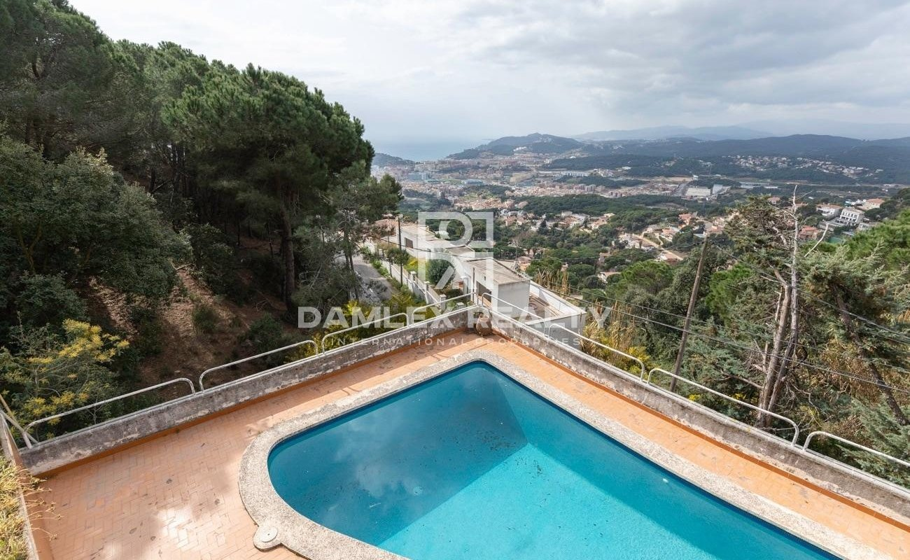 Fantastic house with sea views in Roca Grossa