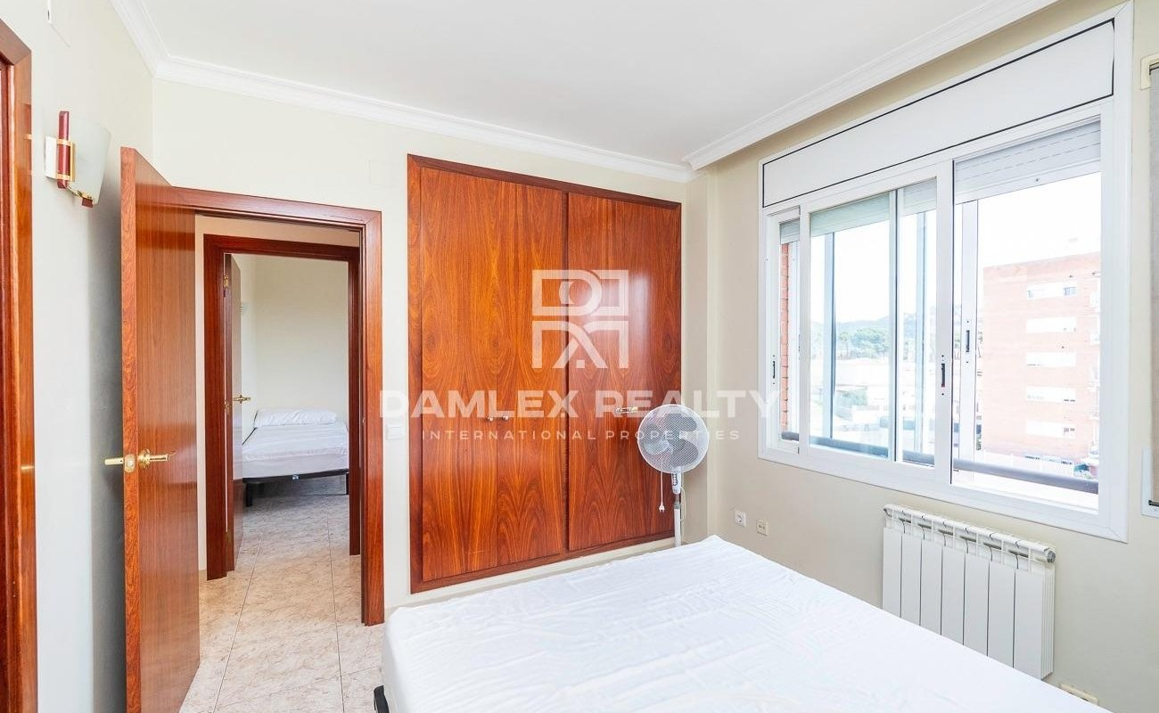 Beautiful apartment, located 1 km from Fenals beach