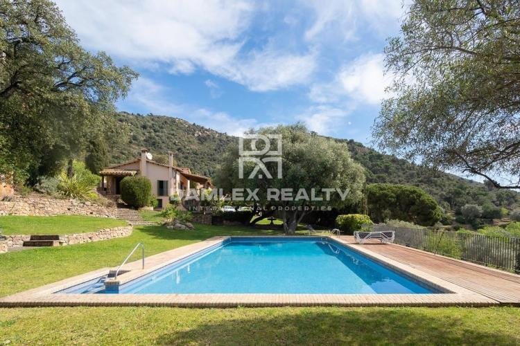 WONDERFUL HOUSE WITH SEA VIEWS IN A MINI-TOWN NEAR THE CENTER OF PLAYA DE ARO